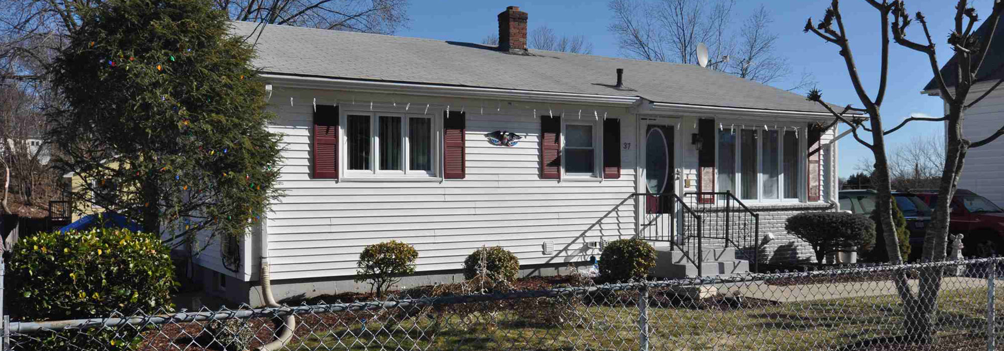37 Summit Avenue , West Warwick, RI 02893
